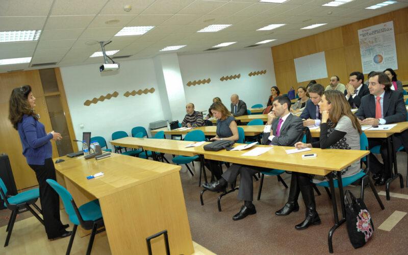 Conferencia de Carmen Sebastián organizada por Dircom Castilla y León.