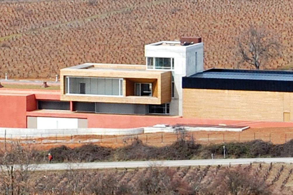 Losada Vinos de Finca exporta el 40% de sus vinos a 35 países.
