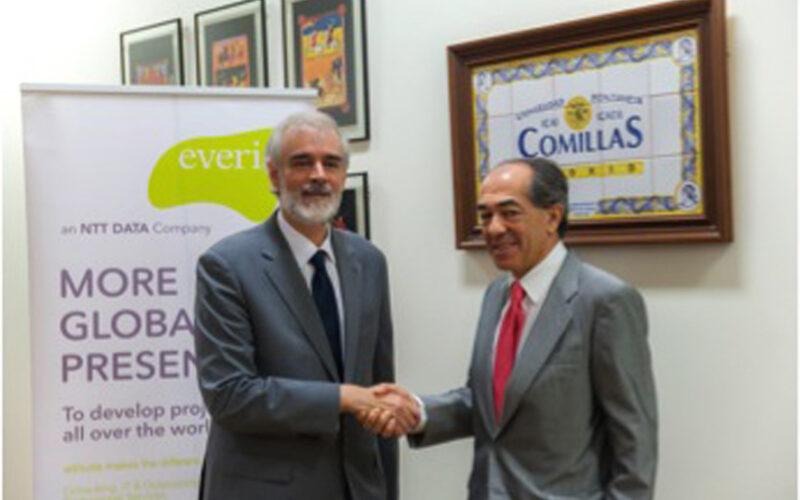 De izquierda a derecha, Julio L. Martínez y Fernando Francés.