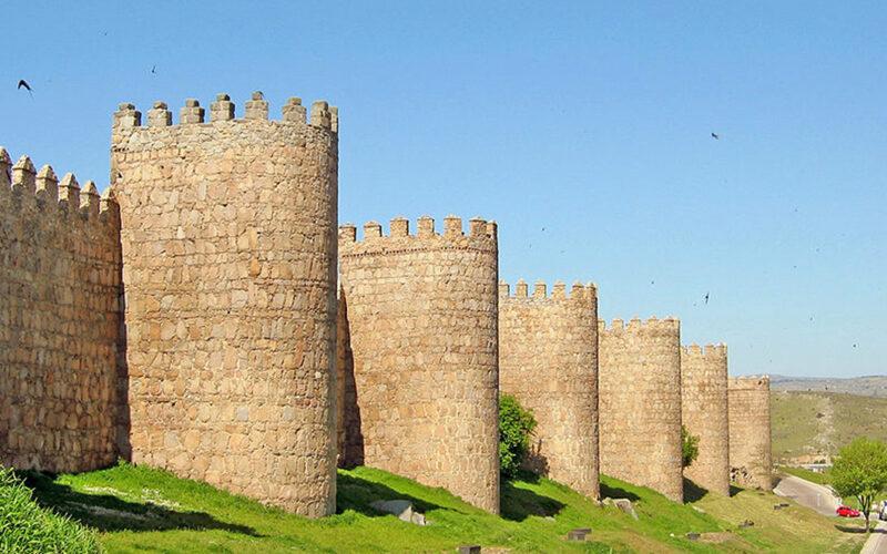Telefónica aplica 'Smart Patrimonio' en la Muralla de Ávila.