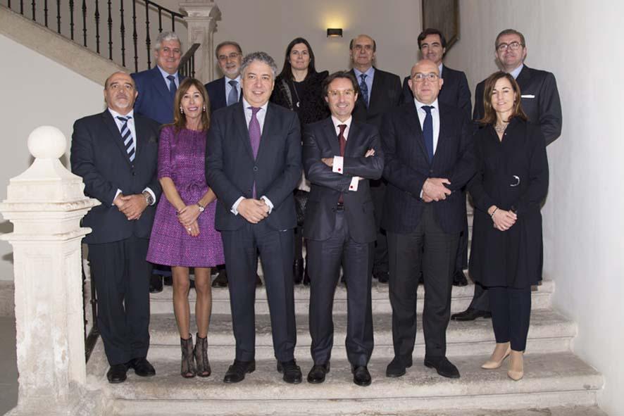 Foto de familia de los asistentes al primer encuentro de Diálogos Castilla y Leó