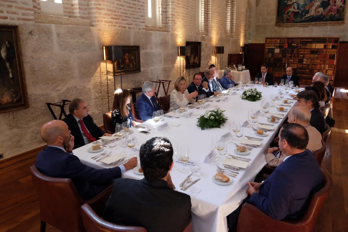 Asistentes a los Diálogos Castilla y León Económica en Abadía Retuerta LeDomaine