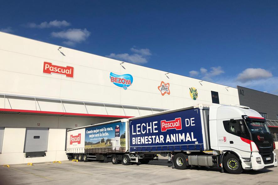 Pascual cuenta con una flota de 500 vehículos híbridos enchufables y eléctricos.