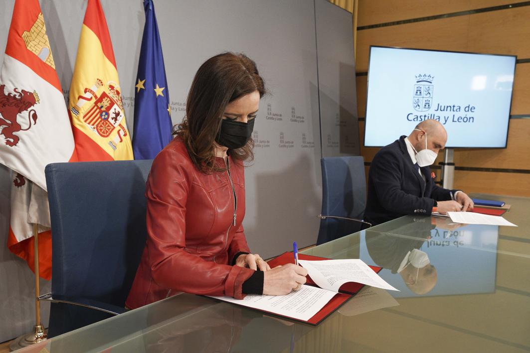 Ana Carlota Amigo, consejera de Empleo e Industria, hostelería, empleo, empresa.