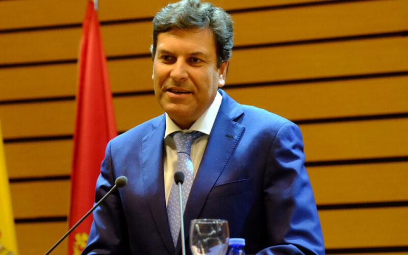 Carlos Fernández Carriedo, consejero de Economía y Hacienda, ayudas, empresas.