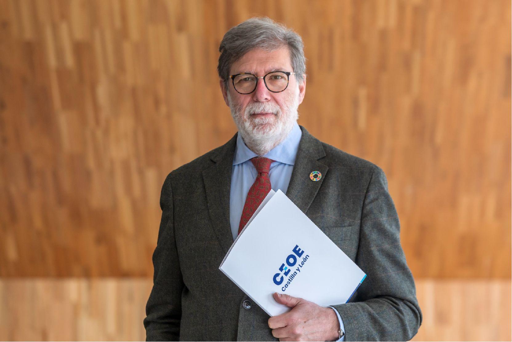 santiago aparicio presidente cecale.