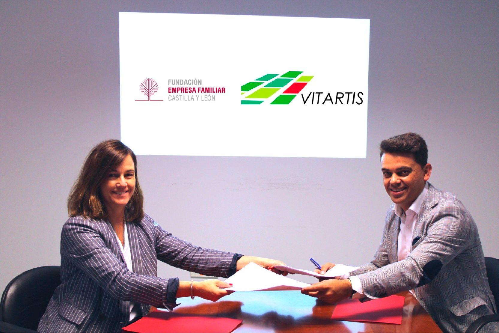 Firma del acuerdo Fundación EFCL y Vitartis
