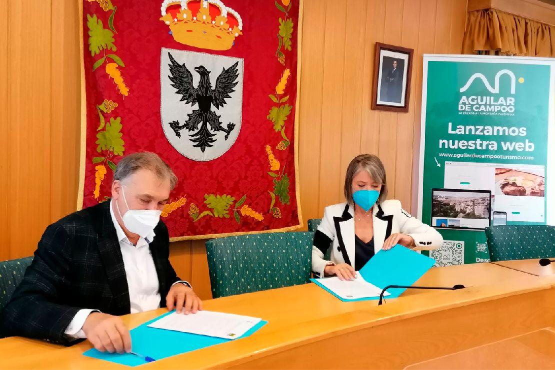 firma del acuerdo entre gullon y el ayuntamiento de aguilar.