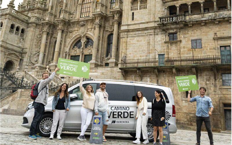 influencers en la plaza del obradoiro.