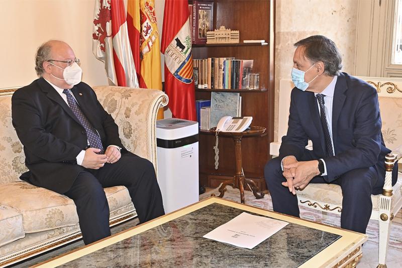 Presidente del CES y alcalde de Salamanca