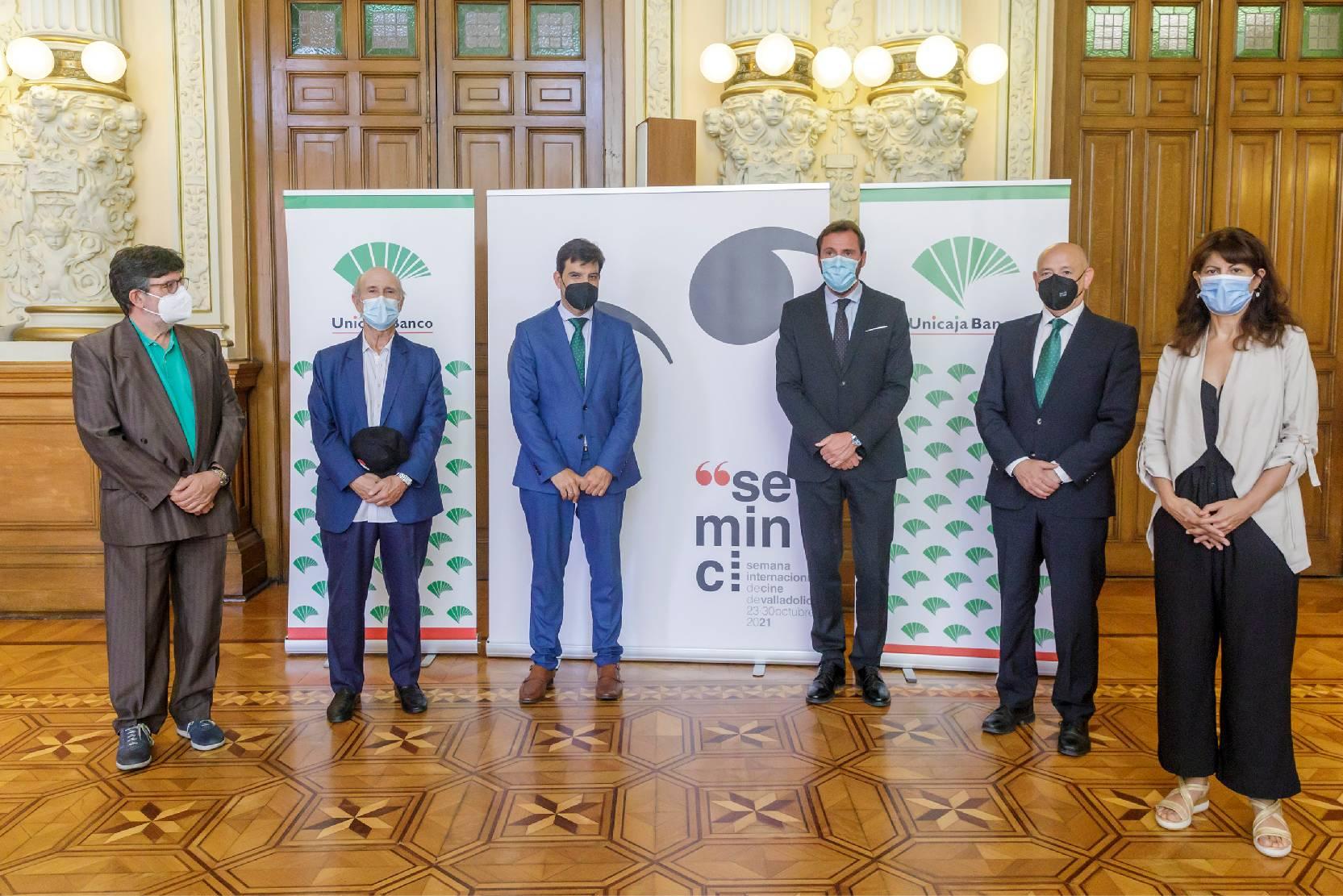 Firma del acuerdo de Unicaja como patrocinador de la Seminci
