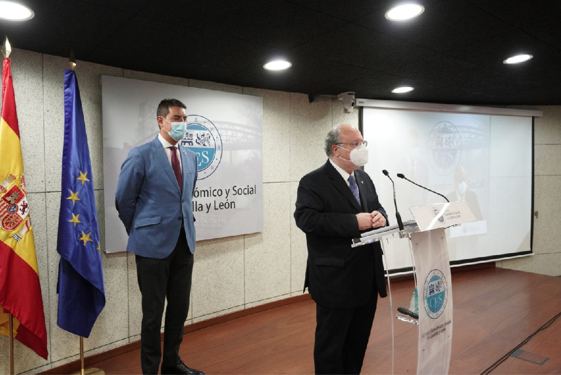 Ángel Ibañez, consejero de la Presidencia de la Junta; y Enrique Cabero, presidente del CES.