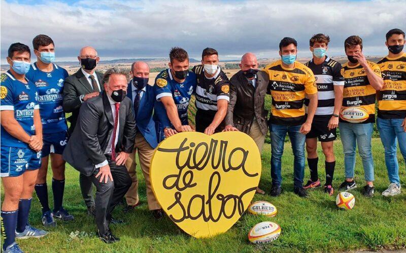 El consejero de Agricultura con los equipos de Rugby de CyL.